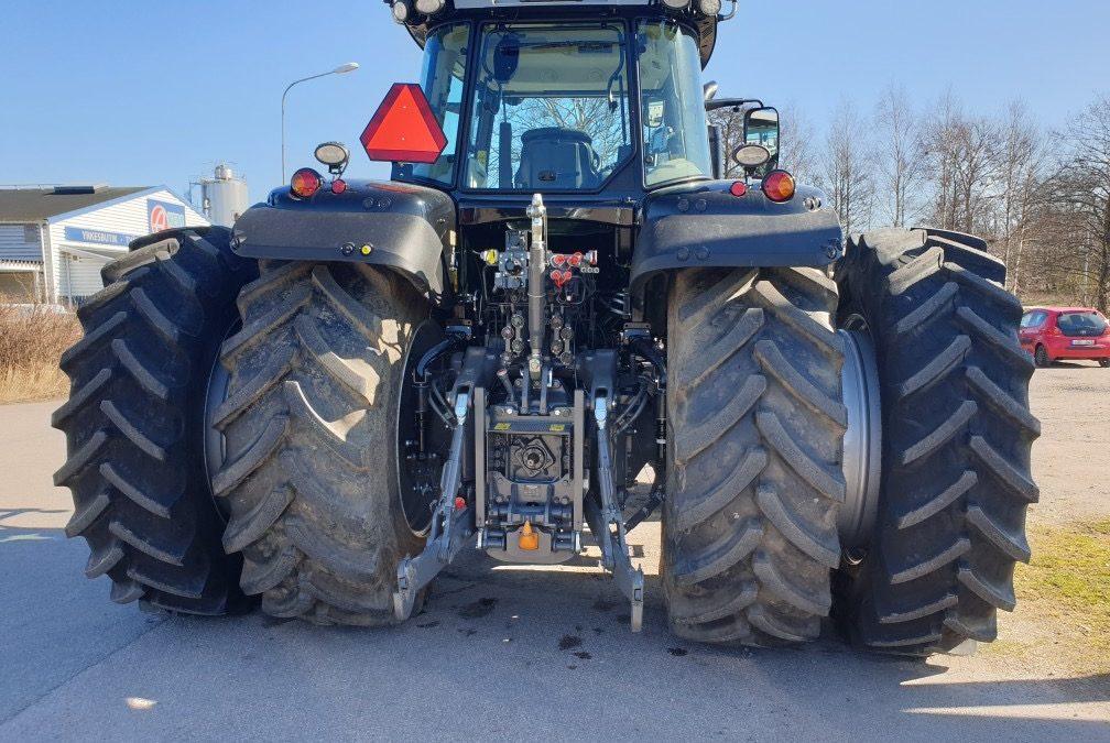 Dubbelmontage monterat med BKT AGRIMAX RT855 520/85R46