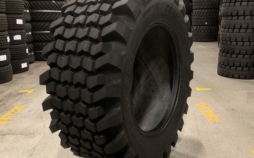 BKT TR 461 – däcket för 4-hjulsdrivna grävlastare.
